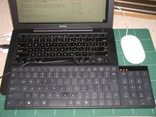 写真:MacBookのキーボードとのサイズ比較