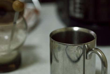 写真:ステンレスのマグカップ