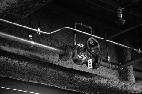 写真:スプリンクラーの続く配管のバルブ